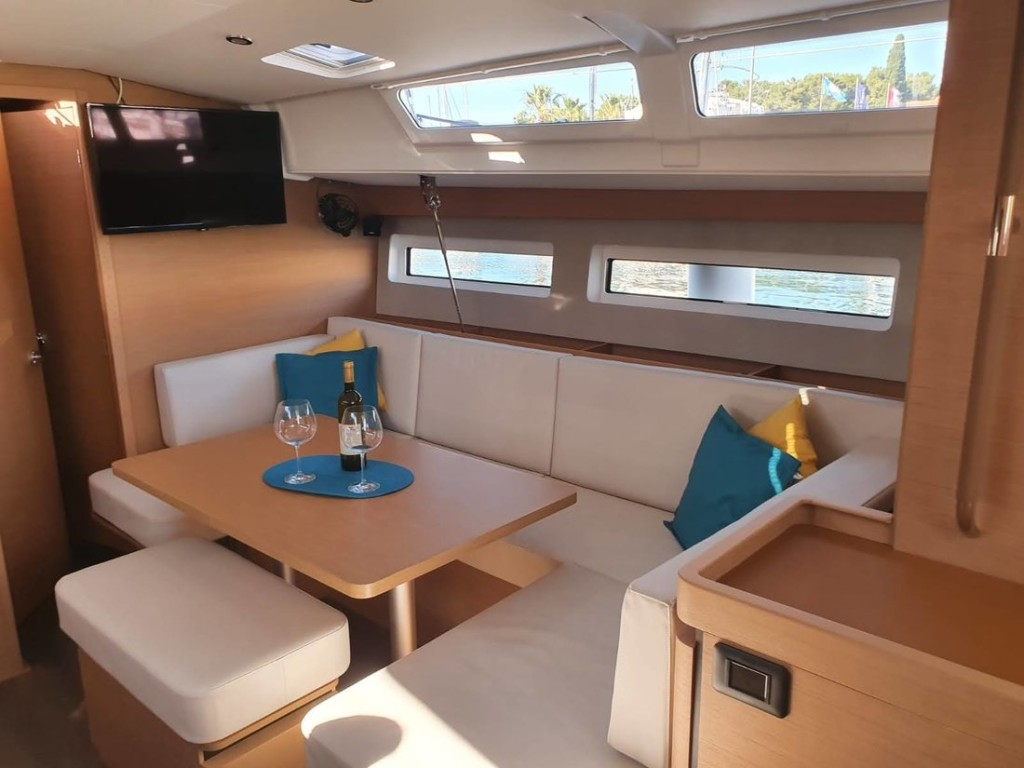 Sun Odyssey 440, SEA STAR A/C - shore power only (2020)